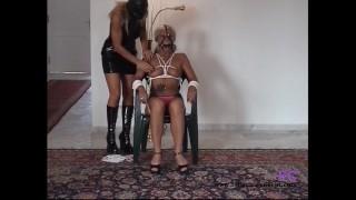 Perverses Grannyluder wird von der Stiefmutter hart rangenommen Fetisch-Concept.com: - Bondage date for 2 girls with nipple