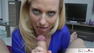 Versautes Babe wird Outdoor extrem hart rangenommen Dirty Tina bläst und fickt zum Dank netten Helfer ab